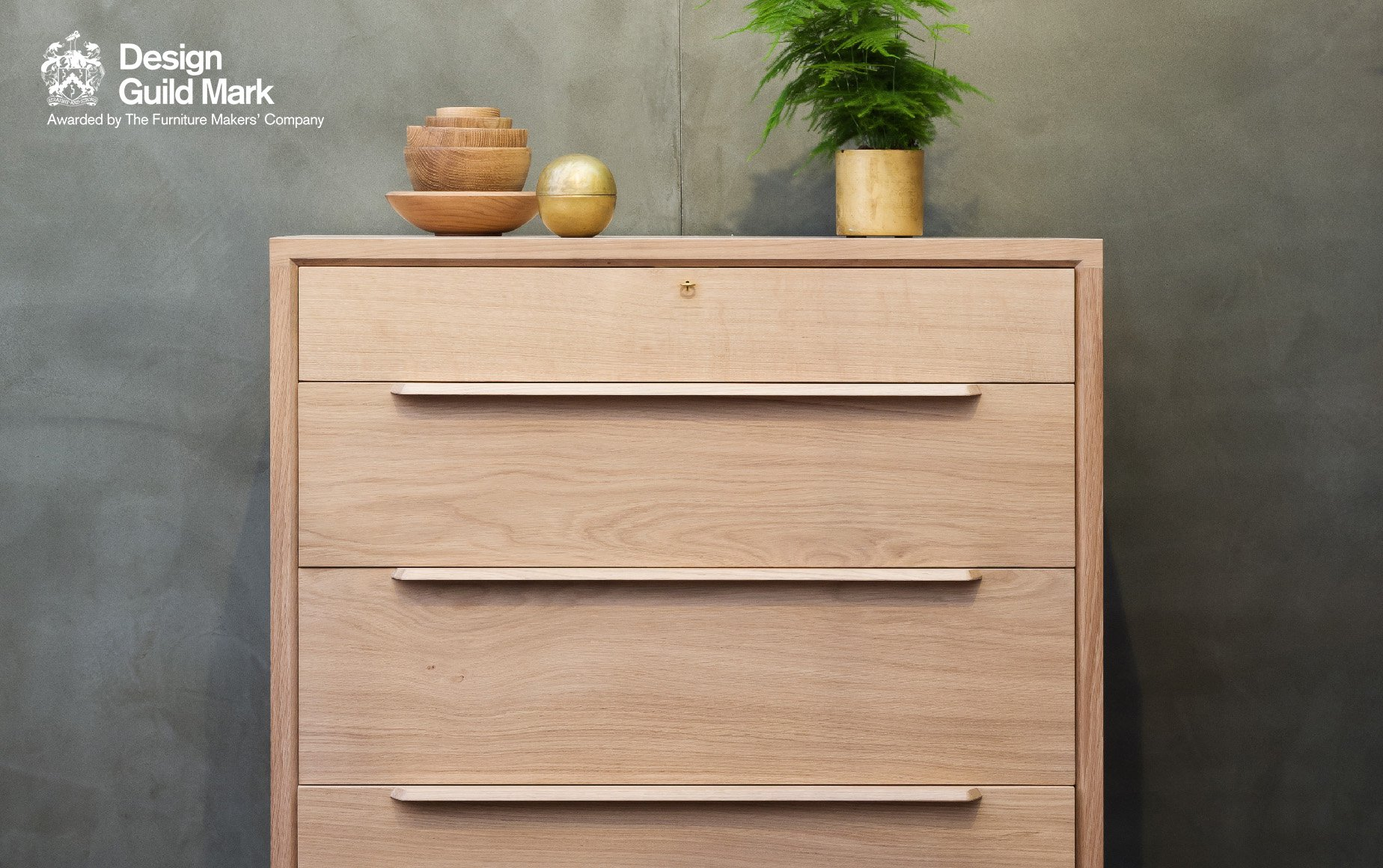Tailor chest of drawers